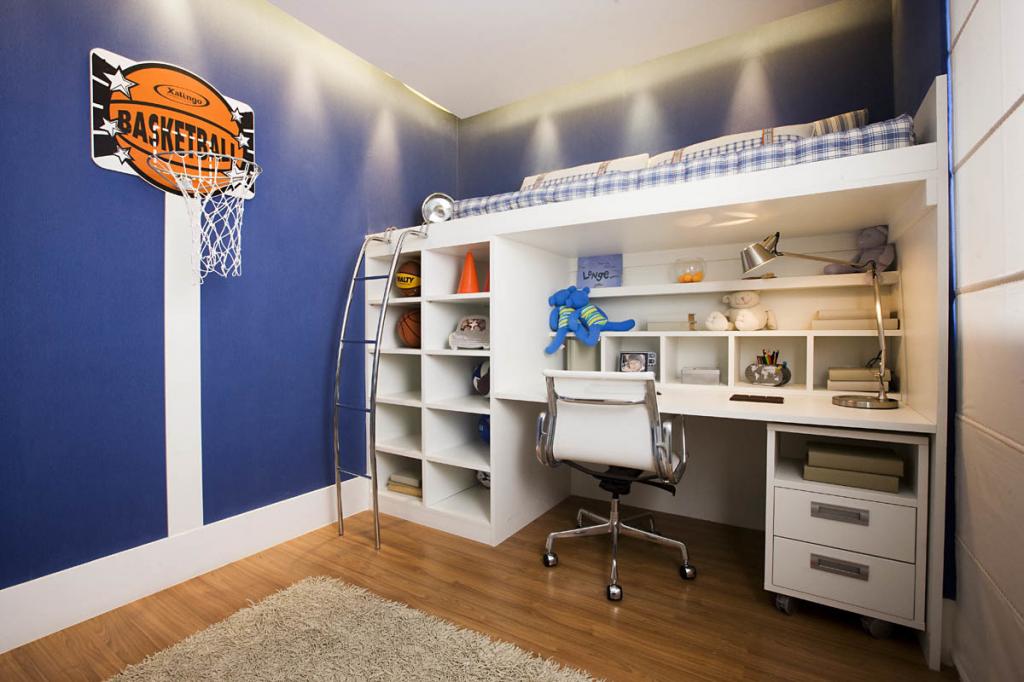баскетбольное кольцо в детской комнате