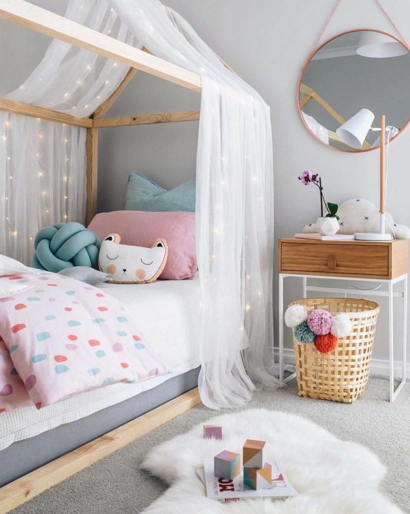 деревянная конструкция для кровати